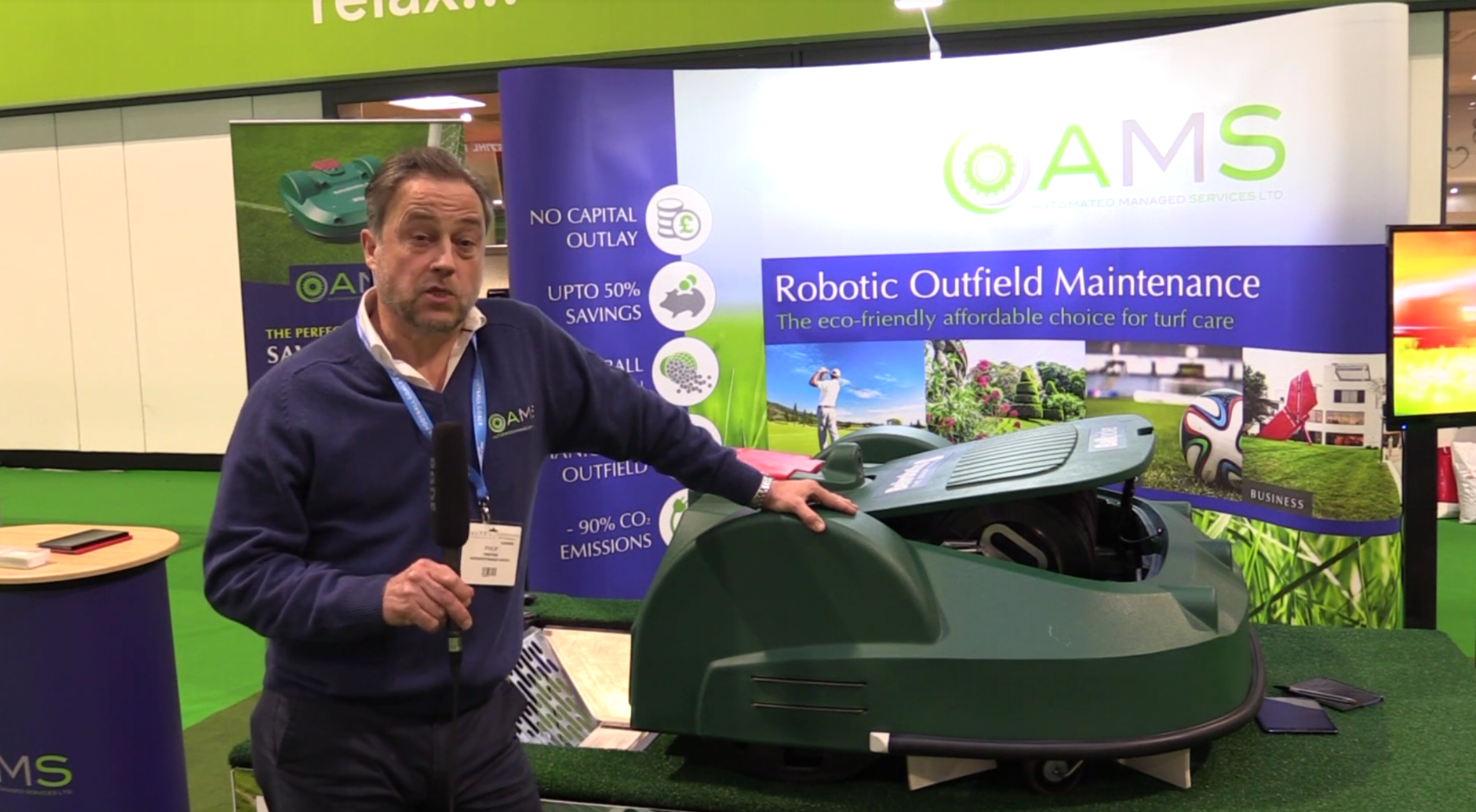 AMS robotics MD Philip Sear discussing the robots at Saltex 2018