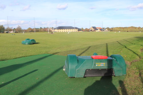 Automated maintenance a greenkeepers & groundsman assistant